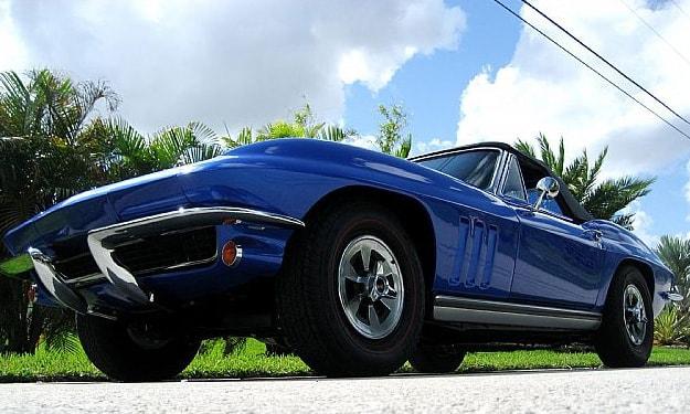 chevrolet-corvette-1965