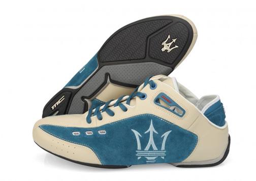 zapatilla Maserati beige y azul