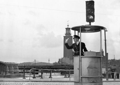 foto en blanco y negro semáforo