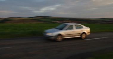 Coche con velocidad
