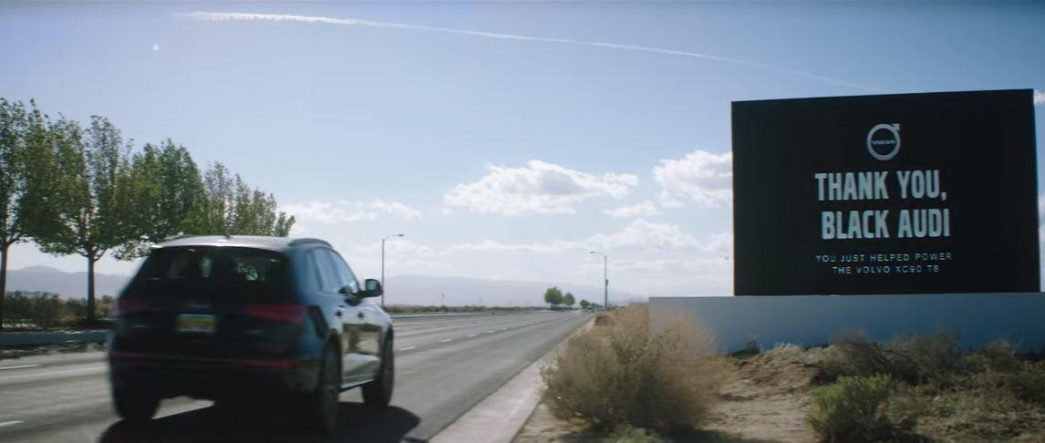 Pantalla Gracias, Audi negro - Volvo XC90