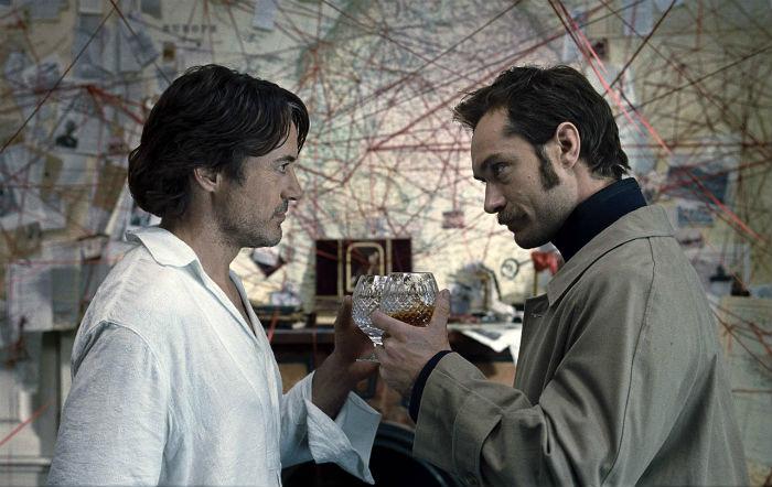 Juego de Sombras - Watson y Sherlock Holmes