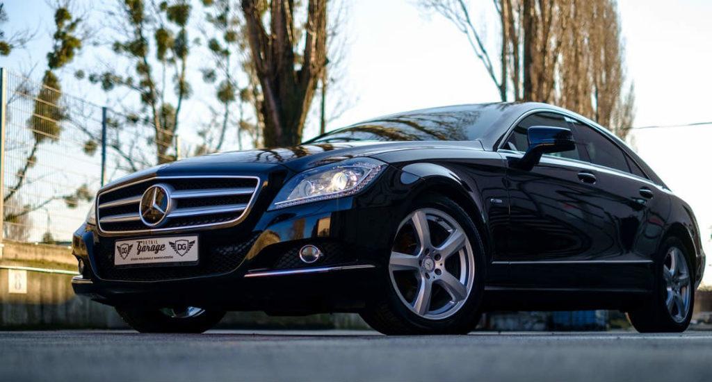 Coche Nuevo Mercedes Benz negro