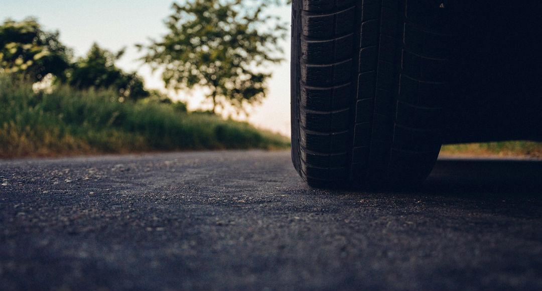 Neumático del coche